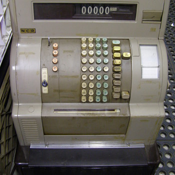 NCR CASH REGESTER-ITS MINE-BUT NOW KEY-ANY IDEA'S?:):) - Coin Operated