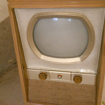 "1950's Motorola 21inch 19ck1 TV Converted from a 19"" to 21"" in good condition"