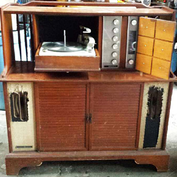 Vintage GE Record Player Console - Electronics