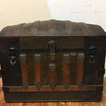Dome Top Trunk Victorian - Furniture