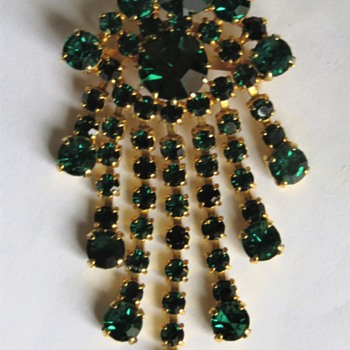 Vintage Drop Tassel Brooch - Costume Jewelry