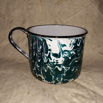 Chrysolite Graniteware Large Cup or Small Pot 100 Plus Years Old - Kitchen