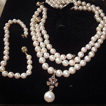 A precious gift from my late mother, PEARLS always fasionable.