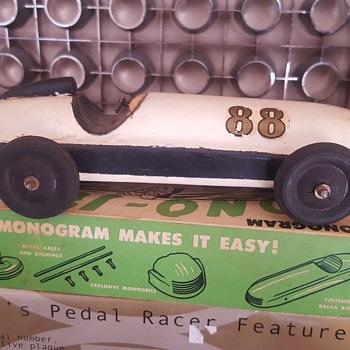 1945 Monogram Model Kit - Model Cars