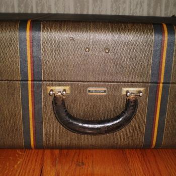 Vintage Oshkosh Suitcase - Bags