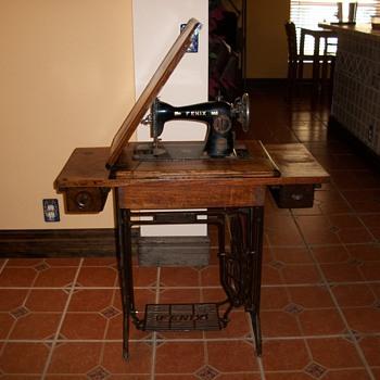 FENIX SEWING MACHINE - Sewing