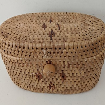 Smallish Covered Basket w/Wood Knob Closure---Origin? - Furniture