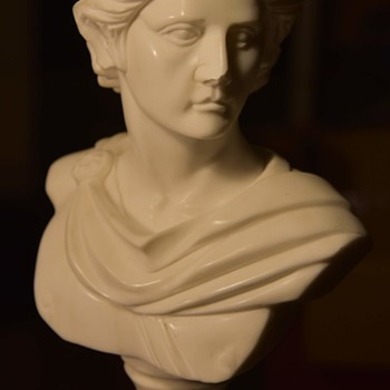 Beautifully carved Marble Bust - of a Roman? - Fine Art