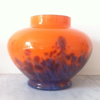 Amethyst and blue tango spatter urn - Kralik? - Art Glass