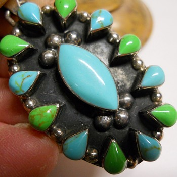 Vintage Sterling pendant with Turquoise Stones - Fine Jewelry