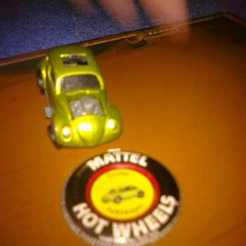 Hot Wheels Custom VW with button - Model Cars
