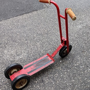 Red scooter. - Toys