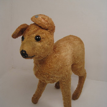 Fawning Over This Early Silk Plush Steiff Baby Christmas Deer! - Dolls