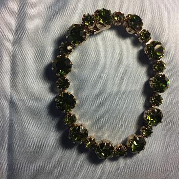 Green crystal bracelet unmarked