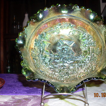 fenton glass bowl