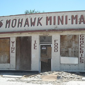 Mohawk Mini Mart Route 66 - Petroliana