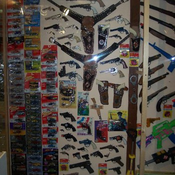 a few toy capguns - Toys