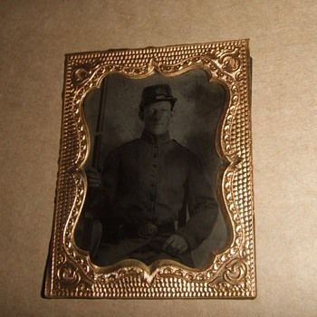 Tintype of Armed Civil War soldier - Military and Wartime