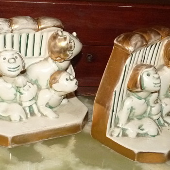 BESWICK CHARACTER BOOKENDS CHARACTERS IDENTIFICATION . - Pottery