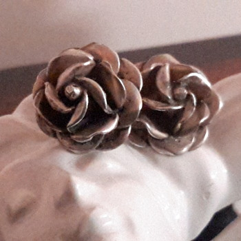Silver flower earrings - Silver