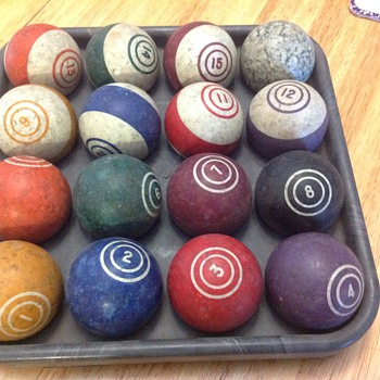 complete set of pool billard balls
