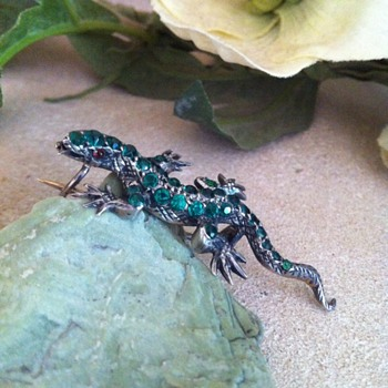 Little green paste silver lizard (again!). - Fine Jewelry