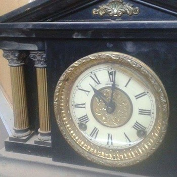 Antique mantel clock - Clocks