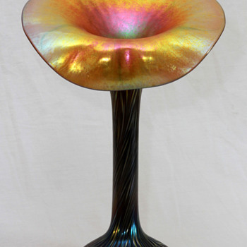 Lundberg Studios Jack-In-Pulpit (JIP) Vase - Art Glass