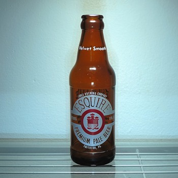 1958 Esquire Beer Bottle Jones Brewing Smithton, Pennsylvania Anchor Hocking Glass Amber Brown Vintage ACL 7 ounces - Bottles