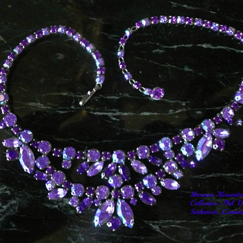 SIGNED SHERMAN PURPLE & ALEXANDRITE NECKLACE - Costume Jewelry