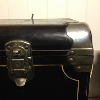 """C.A. Taylor Auto Trunk """"Taylor Made"""" - Furniture"""