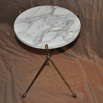 Marble top, folding brass tripod table - Furniture