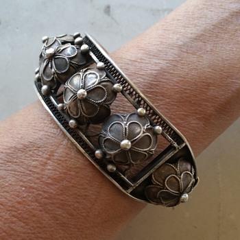 Silver bracelet from Tibet - Fine Jewelry