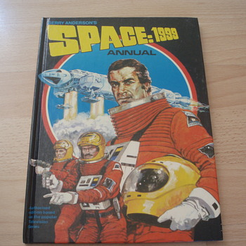 SPACE 1999 - Books