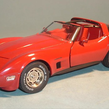 1982 Franklin Mint Red Chevrolet Corvette  - Model Cars