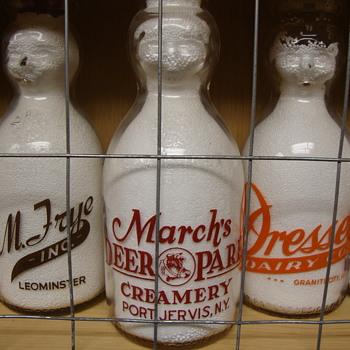 MARCH'S DEER PARK CREAMERY ...PORT JERVIS, NEW YORK BABY TOP QUART MILK BOTTLE - Bottles