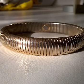 Monet Omega Gold Tone Expandable Bracelet 1980s $1.00 - Costume Jewelry