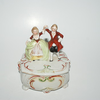 Sweet Little Trinket Box - Figurines