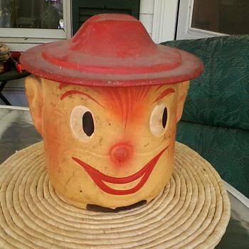 old Clown w/ Hat Lid - Kitchen