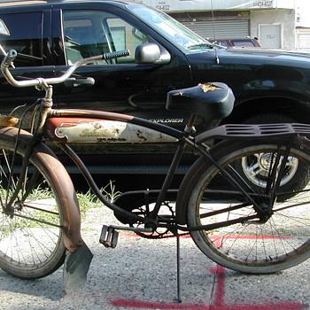 Vintage Schwinn bicycle - Sporting Goods