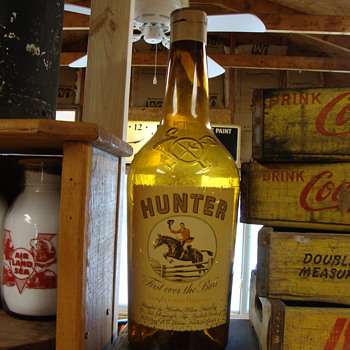 """HUNTER WHISKEY"" STORE DISPLAY BOTTLE......... - Bottles"