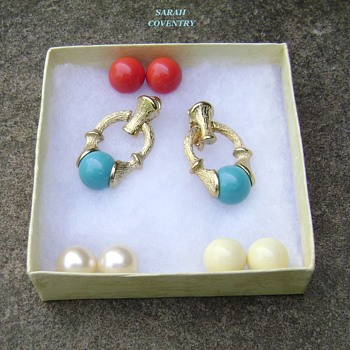 Sarah Coventry earrings - Fiesta - Costume Jewelry