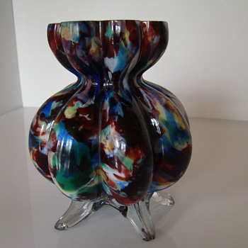 Eight -lobed  five - footed spatter glass vase - Art Glass