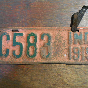 1915 Indiana Motorcycle license plate - Classic Cars