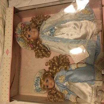 Treasure in Lace Cherished Sisters - Dolls