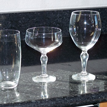 not sure if its stuben glass trying to find out - Art Glass