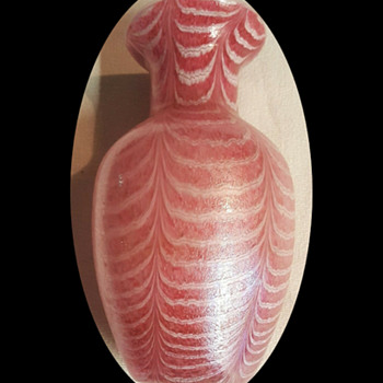 Royal Nouveau pulled feather vase - Art Glass