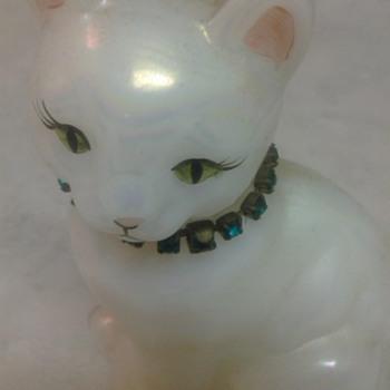 FENTON KITTY - Glassware