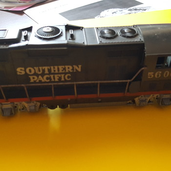 My HO Scale SP Locomotive 5600 Mystery