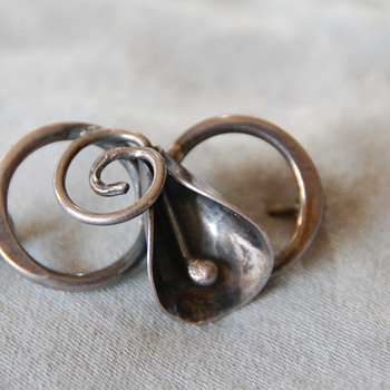 Sterling Silver Brooch_Help ID Please - Silver